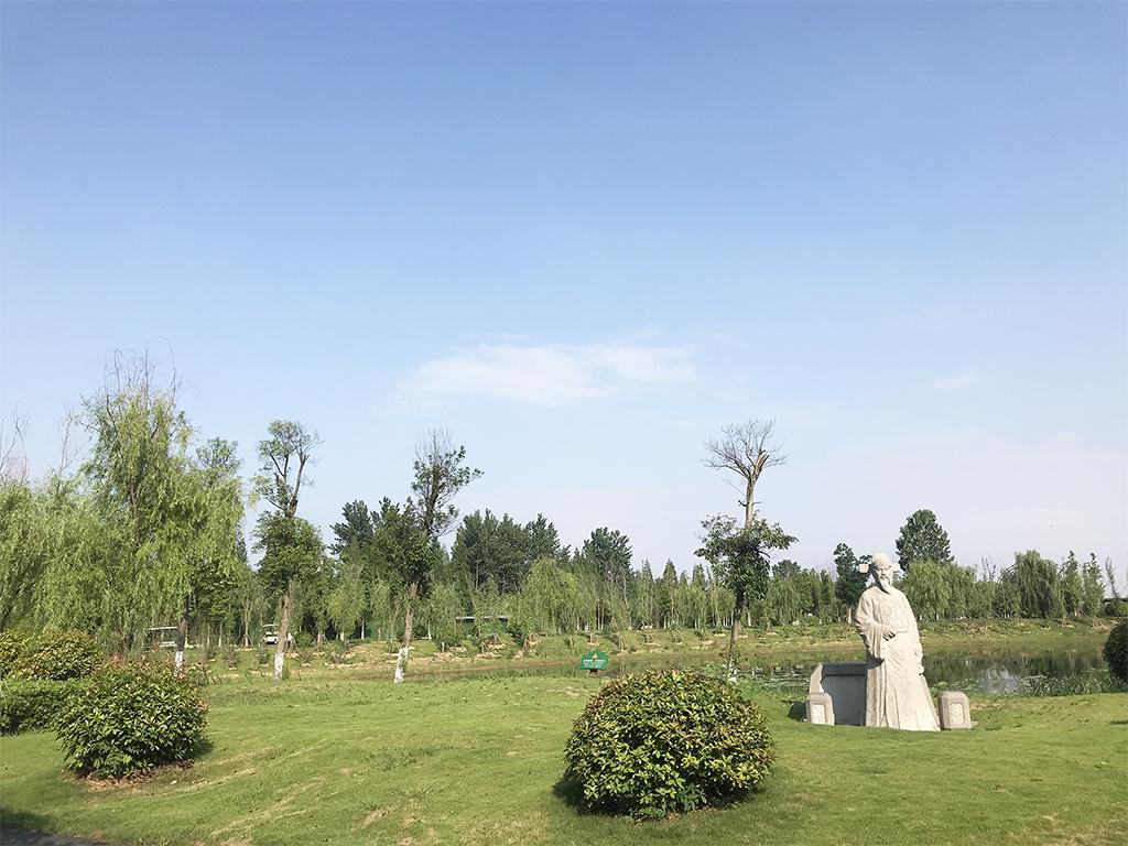 半月湖演艺广场